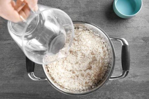 chiński ryż gotowanie ryżu