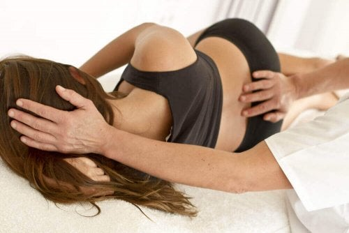 kobieta i fizjoterapeuta