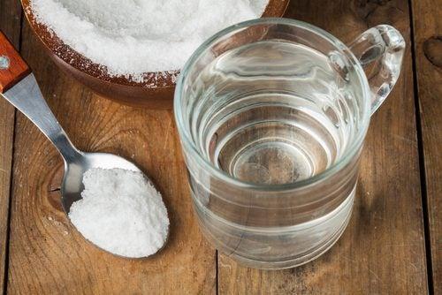 Roztwór soli fizjologicznej