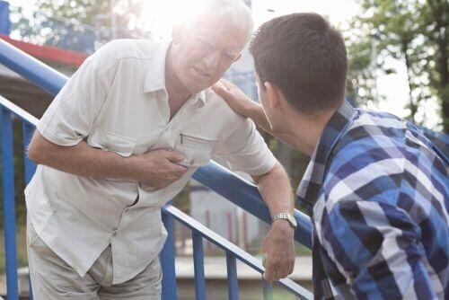 Zawał serca: jak udzielić pierwszej pomocy