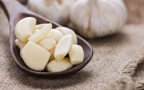 Naturalne sposoby leczenia grzybicy - czosnek