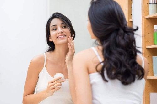 Nawilżona skóra – 5 prostych sposobów
