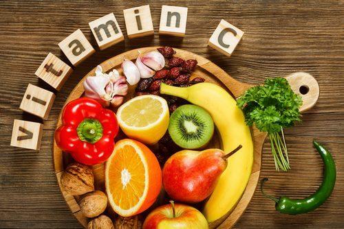 owoce warzywa i witamina c