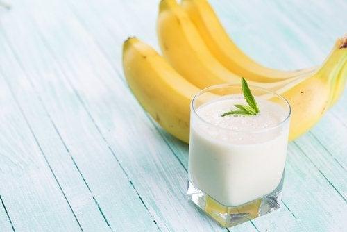 smoothie z banana i masła