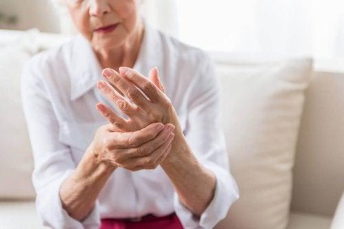 protokół autoimmunologiczny starsza kobieta