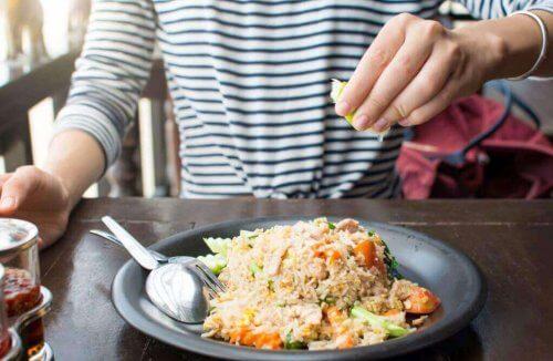 Dania ryżowe domowej roboty – 3 przepisy