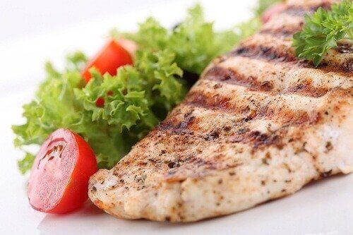 Grillowana ryba z sałatką