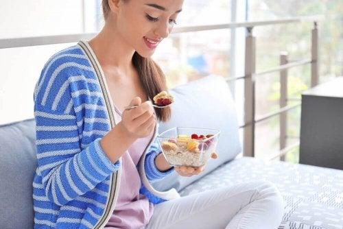 Dieta owsiana – jak pomoże ci schudnąć?