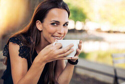 Kobieta na kawie