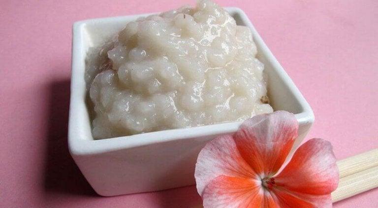 Oczyszczanie twarzy - użyj ryżu na 2 sposoby