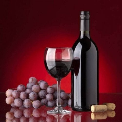 Mity na temat wina - barwniki, wino winogrona i kieliszek wina
