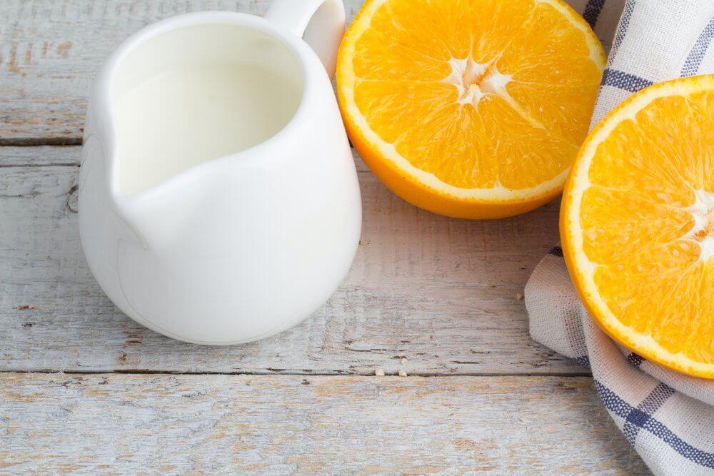 mleko i pomarańcze