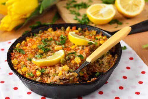 Przepyszna paella - przepis na hiszpańskie danie
