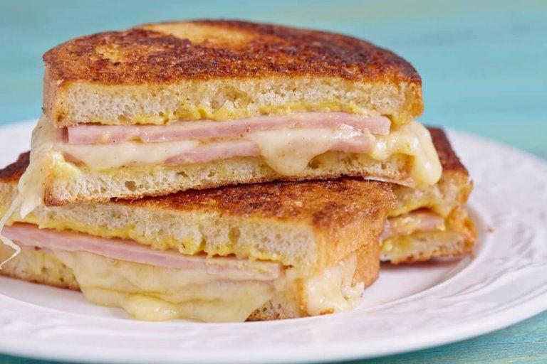 Sandwich Monte Cristo – francuskie tosty na ciepło