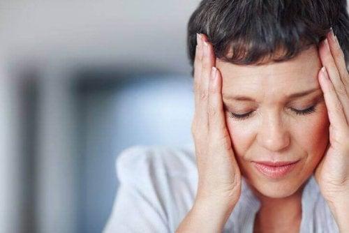Stres i niedoczynność tarczycy – co je łączy?