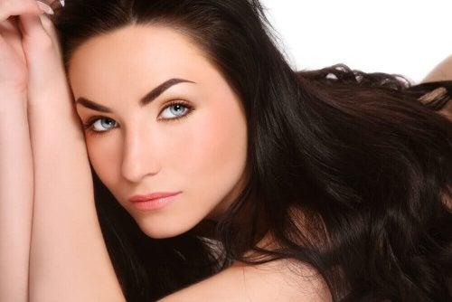 Przyspiesz wzrost włosów! – Tanie i naturalne remedia
