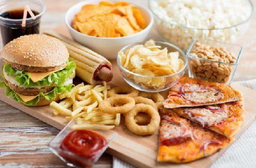 toksyczne jedzenie pizza i hamburgery