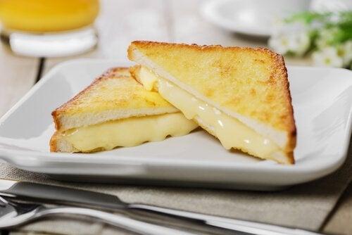 Tosty z serem Sandwich Monte Cristo