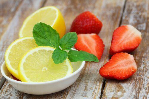 truskawki i cytryny