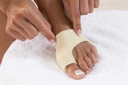 korektory na stopy na haluksy