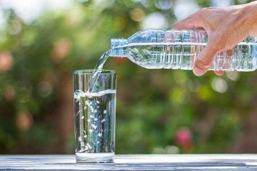 Rodzaje wody mineralnej - który jest najlepszy?