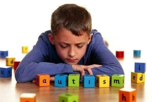 Autyzm – 5 najczęstszych oznak u dziecka