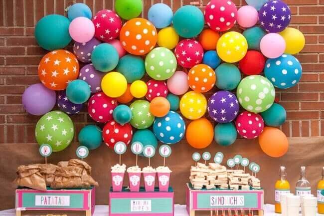 balony na ścianie