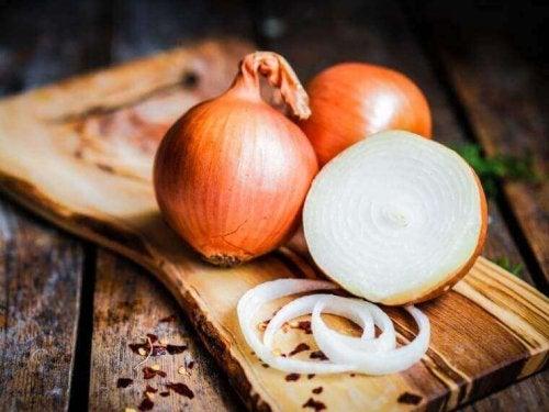 Napar z cebuli - doskonały na infekcje gardła