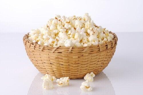 dietetyczne przekąski popcorn