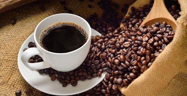 Kawa w filiżance.