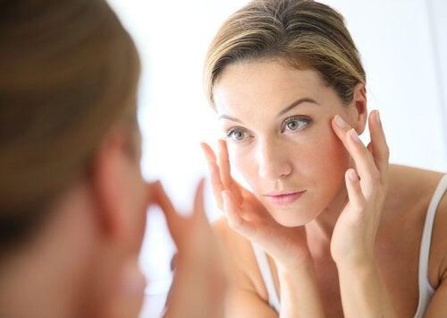 Ocet jabłkowy – doskonały kosmetyk do pielęgnacji twarzy
