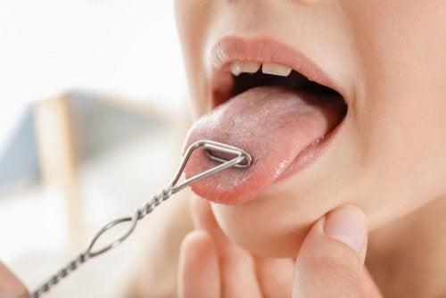 Zmniejszenie podwójnego podbródka- ćwiczenia z językiem