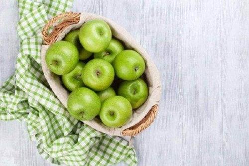 Zielone jabłka zawierają pektyny