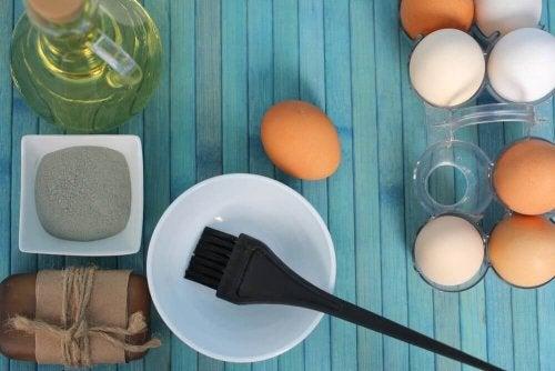 Maseczki z jajka – 3 sposoby na zdrowe włosy