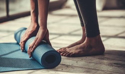 Asany rozciągające – popraw elastyczność ciała z jogą!