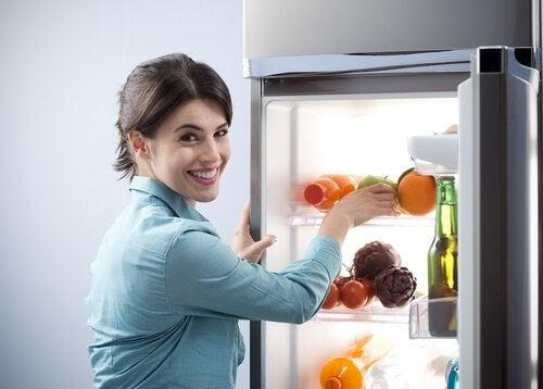 Porządek w lodówce.