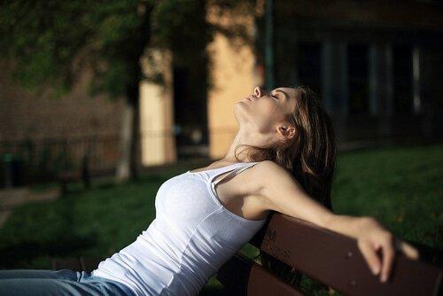 Relaks zmniejsza zespół napięcia przedmiesiączkowego.
