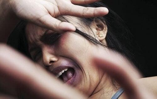 przemoc na tle seksualnym