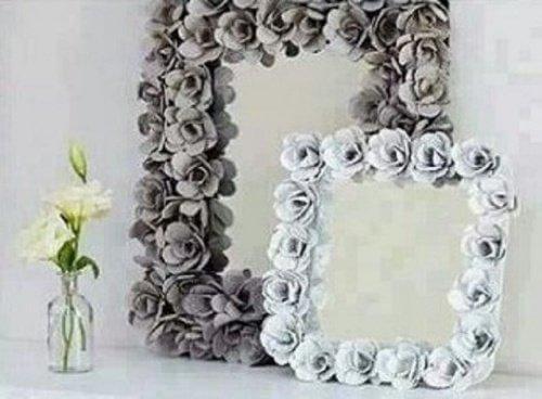 Lustrom możesz nadać różnego charakteru oprawiając je w drewno lub ozdabiając kwiatami.