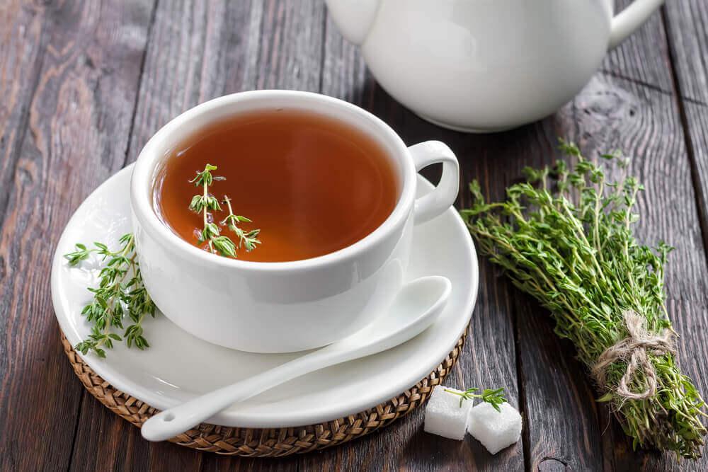 Napar z tymianku Herbatka na kaszel