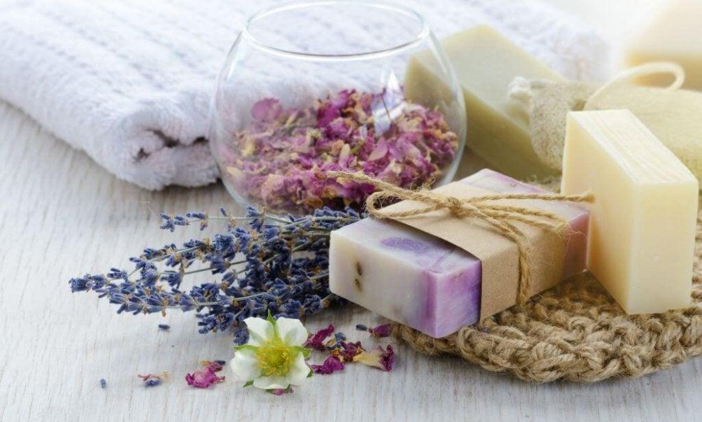 Naturalne mydło – 3 proste i szybkie receptury