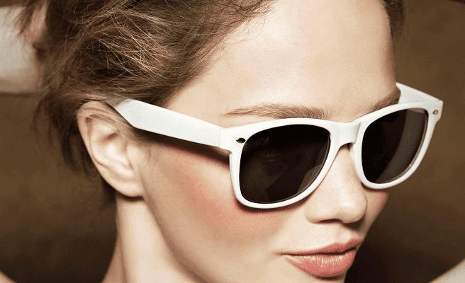Okulary słoneczne niskiej jakości.