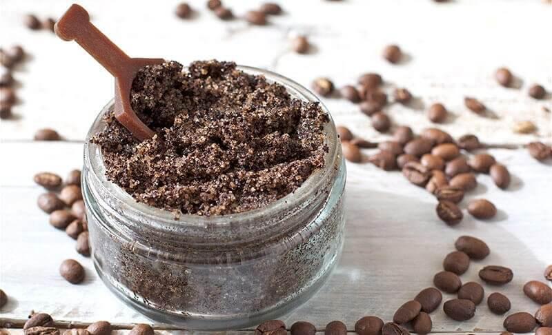 olej kokosowy i kawa na rozstępy