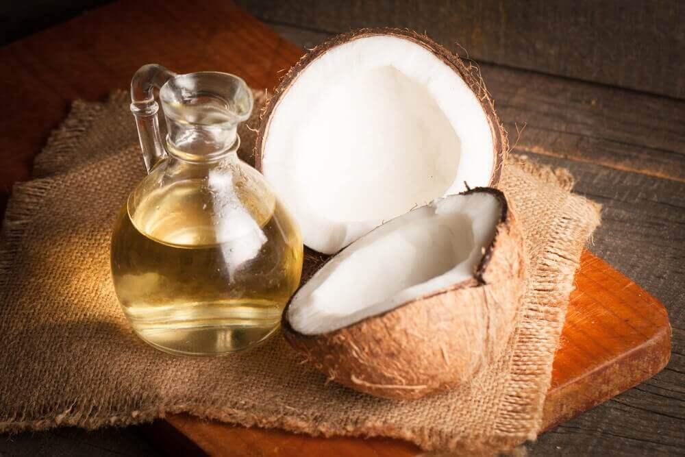 Olej kokosowy.