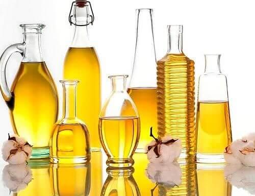 Oleje roślinne a nawilżanie włosów