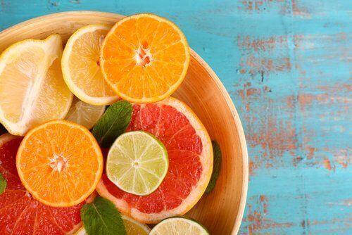 Owoce z witaminą C