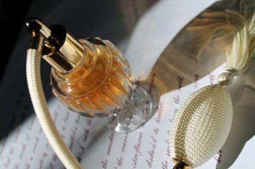 Butelki po perfumach – wykorzystaj je kreatywnie!