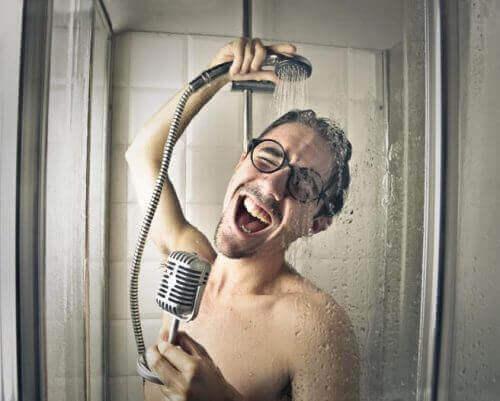 Branie prysznica – nie popełniaj tych 5 częstych błędów