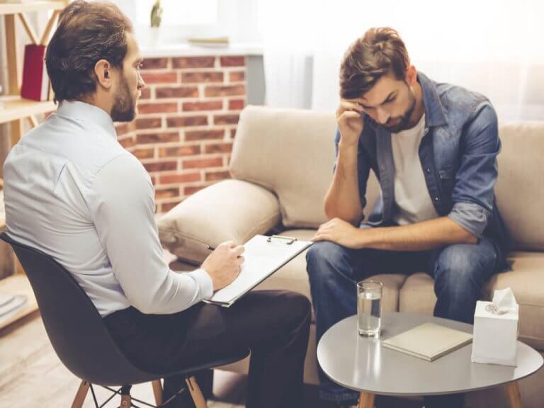 rozmowa z terapeutą pomaga