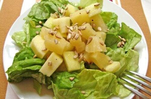 Salatka Z Ananasem Idealna Na Kolacje Krok Do Zdrowia